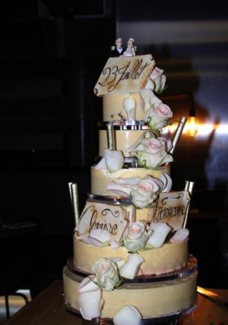 Wedding Cake by Bretteau